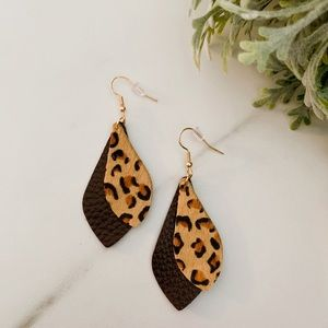 Jewelry - Coffee leopard leather dangles